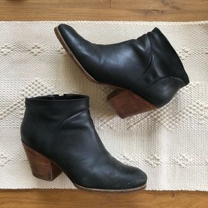 Rachel Comey Mars black leather ankle boots 7